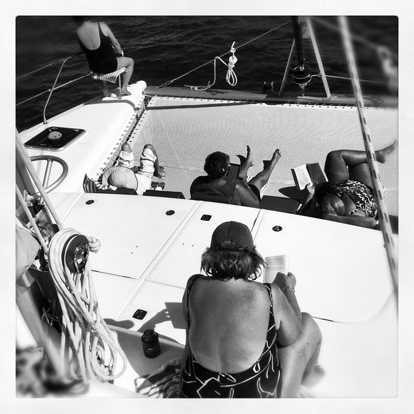 One week, a sea, 6 women, Captain E. and me