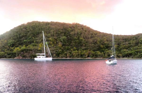Rosaroter Morgen in Benures Bay